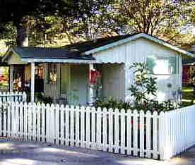 cottage-with-fence